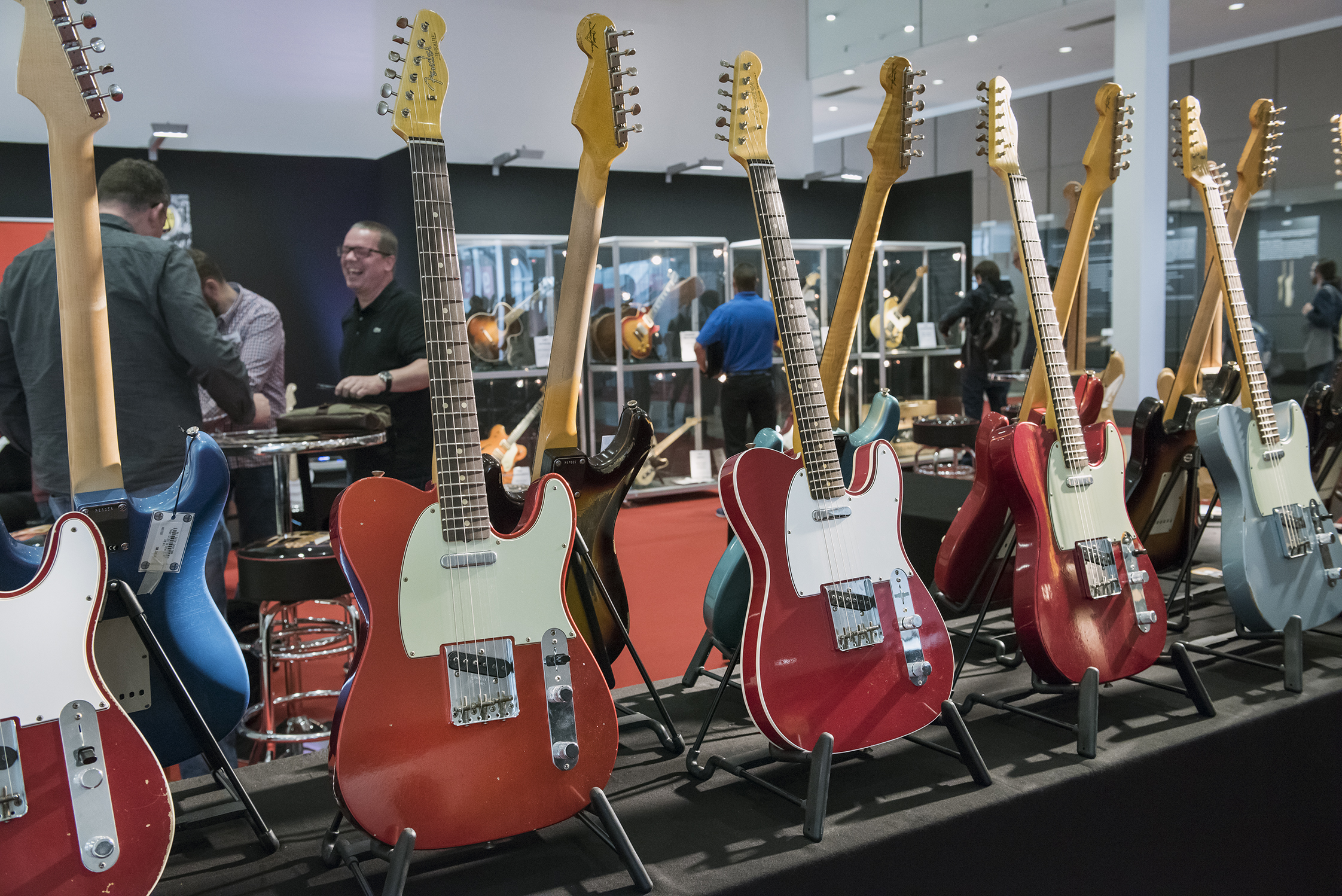 World of Vintage Guitars 04